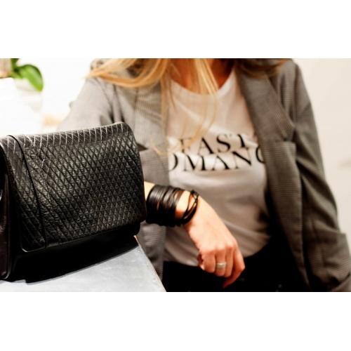 sac noir rock porté