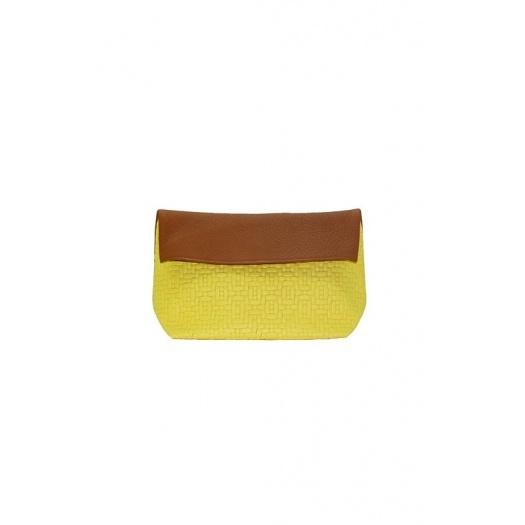Pochette en cuir jaune tressé