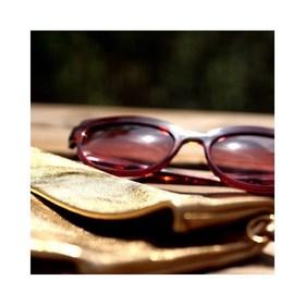 - - - 💛 GOLD POWER 💛 - - - Vous connaissez le pouvoir du doré?  Il suffit de le porter pour se sentir Belle & Bronzée 😎 C'est le moment de se faire plaisir et de l'adopter, vous verrez 😉 . . . #moodoftheday #gold #power #doré #maroquinerie #marquefrancaise #creatrices #pochetteaccessoires #pochettes #dorée #maroquineriefrancaise #marquefrançaise #lesud☀️ #moderesponsable #plaisirdoffrir