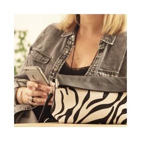 """- - - Ré-édition de notre pochette bandoulière imprimé zèbre en cuir """"pony"""" - - -  Mélange de Rock et de Douceur, la pochette bandoulière à tout d'une grande. Et comme on est trop happy de vous les faire découvrir on vous offre la livraison jusqu'à la fin du confinement avec le code NOEL20 . . . #pochette #accessoires #marquefrancaise #nouveautés #nouvellecollection #imprimé #zèbre #zebre #sacencuir #plaisirsimple #moderesponsable #accessoiresdemode #ideecadeaux #bandouliere #maroquineriefrancaise"""