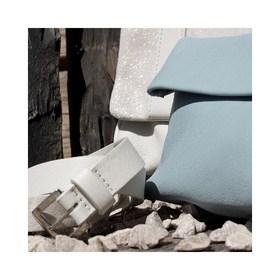 - - - Bleu Ciel - - - Après le Fleur de coton & paillettes, le kaki clair c'est au tour du bleu ciel de faire son entrée dans la collection @ripauste. Les pastels sont toujours très tendances et se glissent parfaitement dans n'importe quel dressing. Et comme la fête des Mères arrive bientôt, on vous offre -15% de réduction sur l'ensemble de la collection avec le code MAMAMAN . . . #bleu #pastelcolors #nouvellecollection #marquefrancaise #création #sacencuir #plaisirdoffrir #moderesponsable #accessoiresdemode #bandouliere #maroquineriefrancaise #petiteceinture #pochetteaccessoires #sacàmain #creatrices