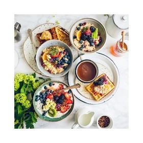 - - - Je ne sais pas vous mais c'est exactement le petit déjeuner dont je rêve pour démarrer le week end en faisant le plein de vitamines 🍊- - - . . . #petitdejeuner #weekend #weekendvibe #vitamines #yummyday #myrtilles #plaisirsimple #plaisirgourmand #lesud☀️ #enjoycooking #familleheureuse #profiterdechaqueinstant