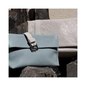 - - - Bleu Ciel - - -  Fleur de coton & Paillettes, Kaki Clair et Bleu Ciel... Les 3 nouvelles couleurs sont canons. On avait envie de douceur & de légèreté pour cette nouvelle collection.  Vous cherchiez une idée cadeau pour la fête des mères? 15% de réduction avec la code MAMAMN sur l'ensemble de la collection.  . . . #paillettes #bleu #kaki #nouveautés #nouvellecollection #tendances #frenchdesigners #sacencuir #plaisirdoffrir #boutiquecreateurs #boutiquedeco #moderesponsable #accessoiresdemode #ideecadeaux #marquefrançaise