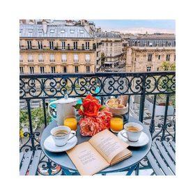 - - - 🌸 Bon Dimanche à Tous 🌸- - - Comme une envie d'escapade parisienne par ici… #petitdej #dimanche #sunday #weekend #enjoy #breakfast #yummy #paris #profiter   📷 @zorymory